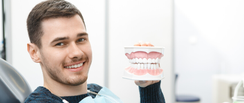 Gum Disease – Symptoms, Causes, and Treatment